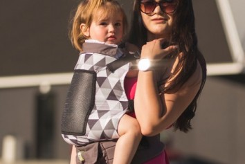 adjustable-baby-carrier-grow-up-air-triangles-proyectokoalo